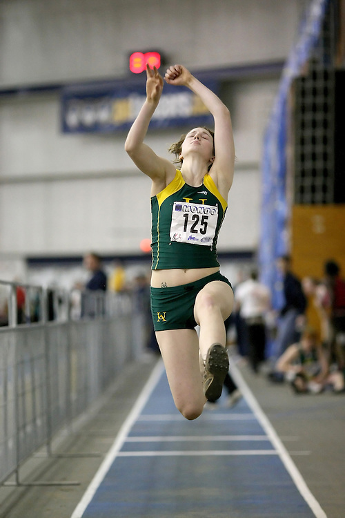 Windsor, Ontario ---12/03/09--- Amanda Schneck of  the University of Alberta competes in the Women's pentathlon long jump at the CIS track and field championships in Windsor, Ontario, March 12, 2009..Sean Burges Mundo Sport Images