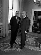 1983-04-07.7th April 1983.07-04-1983.04-07-83..Photographed at Áras an Uachtaráin..President of Ireland welcomes UN Secretary General to Áras an Uachtaráin..Fom Left: ..UN Secretary General Perez de Cuellar.President Patrick Hillery .