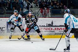 18.11.2018, Ice Rink, Znojmo, CZE, EBEL, HC Orli Znojmo vs EHC Liwest Black Wings Linz, 20. Runde, im Bild v.l. Mario Altmann (EHC Liwest Black Wings Linz) C.J. Stretch (HC Orli Znojmo) // during the Erste Bank Eishockey League 20th round match between HC Orli Znojmo and EHC Liwest Black Wings Linz at the Ice Rink in Znojmo, Czechia on 2018/11/18. EXPA Pictures © 2018, PhotoCredit: EXPA/ Rostislav Pfeffer
