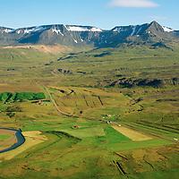 Neðri-Hreppur og Efri-Hreppur séð til austurs, Skessuhorn í baksýni, Skorradalshreppur / Nedri-Hreppur and Efri-Hreppur viewing east, mount Skessuhorn in background, Skorradalshreppur.