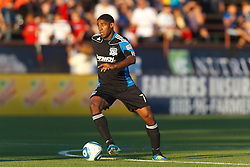 July 20, 2011; Santa Clara, CA, USA;  San Jose Earthquakes midfielder Khari Stephenson (7) dribbles the ball against the Vancouver Whitecaps during the first half at Buck Shaw Stadium. San Jose tied Vancouver 2-2.
