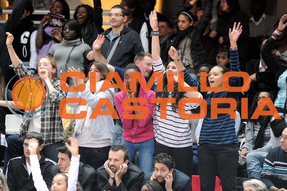 DESCRIZIONE : Ligue Feminine de Basket Ligue  1 Journee &agrave; Paris<br /> GIOCATORE : Supporters Open Feminin<br /> SQUADRA : <br /> EVENTO : Ligue Feminine 2010-2011<br /> GARA : Basket Landes &ndash; Villeneuve d&rsquo;Ascq<br /> DATA : 16/10/2010<br /> CATEGORIA : Basketbal France Ligue Feminine<br /> SPORT : Basketball<br /> AUTORE : JF Molliere par Agenzia Ciamillo-Castoria <br /> Galleria : France Basket 2010-2011 Action<br /> Fotonotizia : Ligue Feminine de Basket Ligue 1 Journee &agrave; Paris<br /> Predefinita :