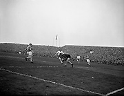 22/04/1959<br /> 04/22/1959<br /> 22 April 1959<br />  F.A.I. Cup Final replay: St Patricks Athletic v Waterford at Dalymount Park, Dublin.