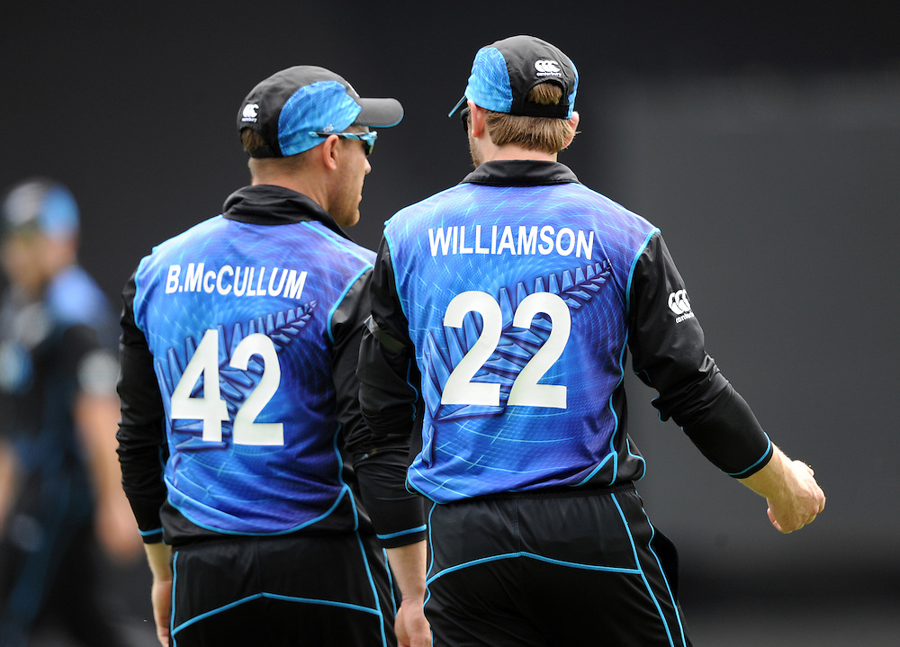 New Zealand's Brendon McCullum, left and Kane Williamson against Pakistan in the 3rd ODI International Cricket match at Eden Park, Auckland, New Zealand, Sunday, January 31, 2016. Credit:SNPA / Ross Setford