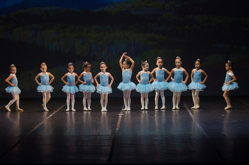 """Recital de Fin de Curso 2013 de Andanza; """"Andanza por el Mundo"""" en el Teatro de la Universidad Interamericana, Recinto Metro."""