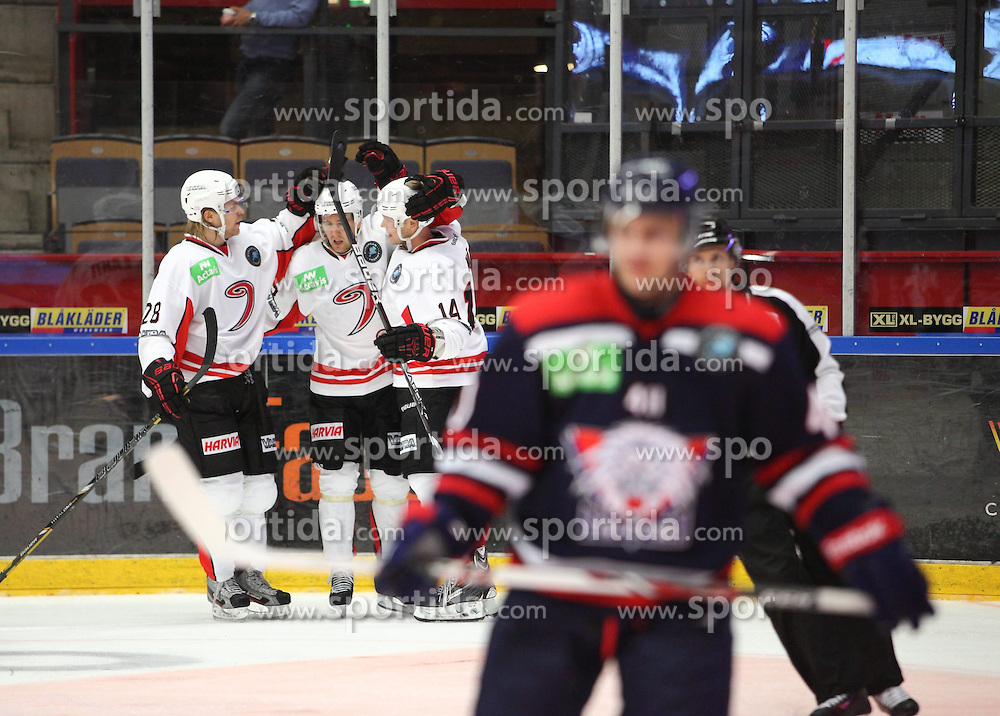 15.08.2013, Cloetta Center, Link&ouml;ping, SWE, European Trophy, Link&ouml;ping HC vs JYP Jyv&auml;skyl&auml;, im Bild JYP Jyv&auml;skyl&auml; m&aring;lskytt scorer JYP Nr 14 Max W&auml;rn 2-4, Nyckelord: m&aring;lskytt scorer JYP Nr 14 Max W&auml;rn // during the European Trophy Icehockey match betweeen Link&ouml;ping HC and JYP Jyv&auml;skyl&auml; at the Cloetta Center in Link&ouml;ping, Sweden on 2013/08/15. EXPA Pictures &copy; 2013, PhotoCredit: EXPA/ PicAgency Skycam/ Stefan Lindgren<br /> <br /> ***** ATTENTION - OUT OF SWE *****