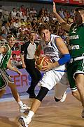 DESCRIZIONE : Alicante Spagna Spain Eurobasket Men 2007 Italia Slovenia Italy Slovenia <br /> GIOCATORE : Stefano Mancinelli<br /> SQUADRA : Nazionale Italia Uomini Italy <br /> EVENTO : Eurobasket Men 2007 Campionati Europei Uomini 2007 <br /> GARA : Italia Slovenia Italy Slovenia <br /> DATA : 03/09/2007 <br /> CATEGORIA : penetrazione<br /> SPORT : Pallacanestro <br /> AUTORE : Ciamillo&amp;Castoria/Fiba <br /> Galleria : Eurobasket Men 2007 <br /> Fotonotizia : Alicante Spagna Spain Eurobasket Men 2007 Italia Slovenia Italy Slovenia <br /> Predefinita :