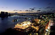 Casino  - Macau palace -  on the Pearl river just in front of China (100m) Macau  ///  Le casino flottant Macao palace sur la rivière des perles a 200 mètres de la chine. Macao /// R00228/4    L3103  /  R00228  /  P0006548
