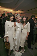 Bella Freud, Daphne Guinness and Annabel Neilson, Vogue 90th birthday party and to celebrate the Vogue List, Serpentine Gallery. London. 8 November 2006. ONE TIME USE ONLY - DO NOT ARCHIVE  © Copyright Photograph by Dafydd Jones 66 Stockwell Park Rd. London SW9 0DA Tel 020 7733 0108 www.dafjones.com