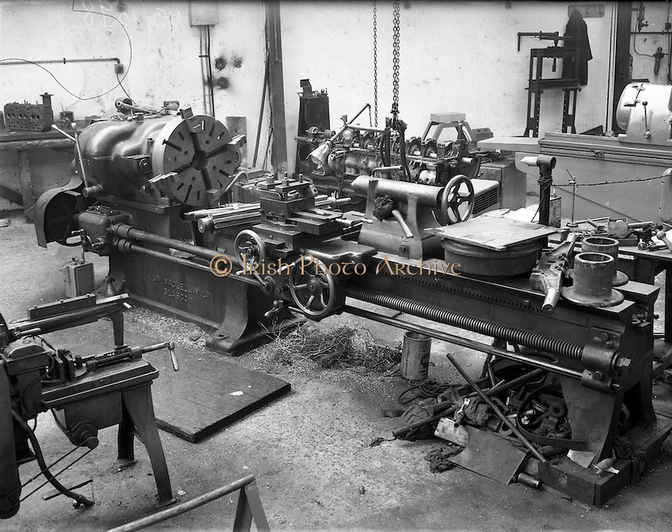 09/01/1953<br /> 01/09/1953<br /> 09 January 1953<br /> Summerhill Engineering Works (Hendrons), 125 Summerhill, Dublin. Pictures of new machinery at garage.