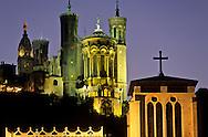 France. Lyon . The St. Jean Primatial and the basilica of Fourviere       la primatiale St Jean et la basilique de Fourvière      R00063 5    L930812b     P0000192
