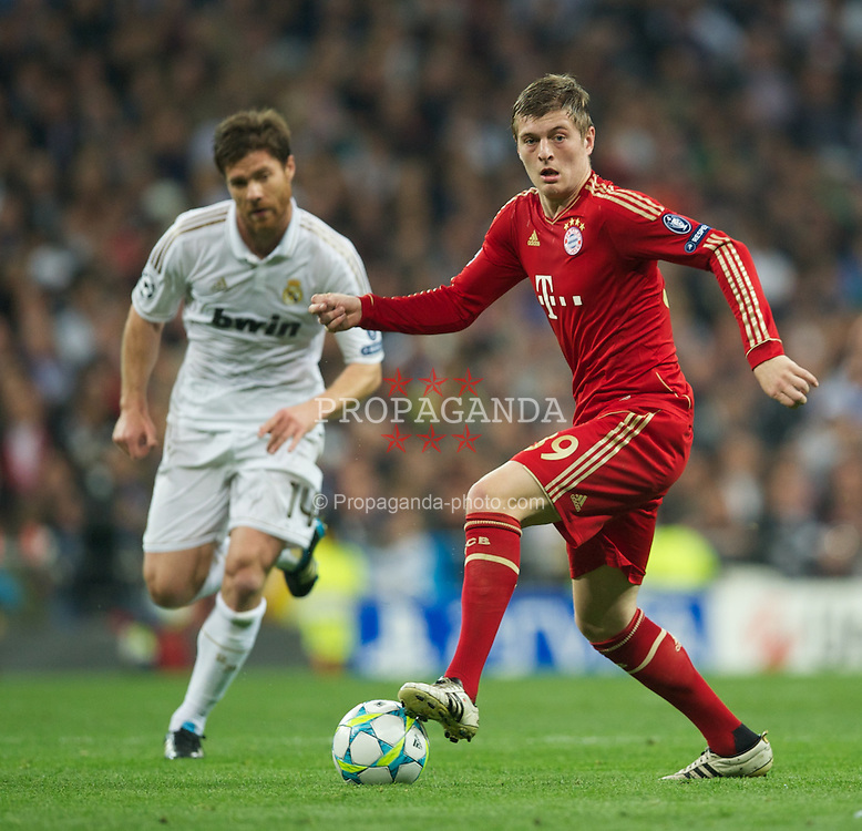 MADRID, SPAIN - Wednesday, April 25, 2012: FC Bayern Munchen's Toni Kroos in action against Real Madrid during the UEFA Champions League Semi-Final 2nd Leg match at the Estadio Santiago Bernabeu. (Pic by David Rawcliffe/Propaganda)