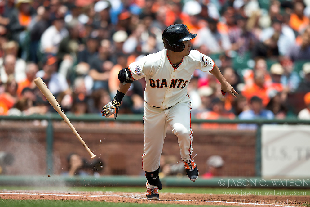SAN FRANCISCO, CA - MAY 21:  Nori Aoki #23 of the San Francisco Giants runs to first base after hitting a single against the Los Angeles Dodgers during the first inning at AT&T Park on May 21, 2015 in San Francisco, California.  The San Francisco Giants defeated the Los Angeles Dodgers 4-0. (Photo by Jason O. Watson/Getty Images) *** Local Caption *** Nori Aoki