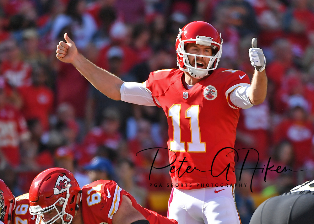KANSAS CITY, MO - OCTOBER 23:  Quarterback Alex Smith #11 of the Kansas City Chiefs calls out a play against the New Orleans Saints during the second half on October 23, 2016 at Arrowhead Stadium in Kansas City, Missouri.  (Photo by Peter G. Aiken/Getty Images) *** Local Caption *** Alex Smith