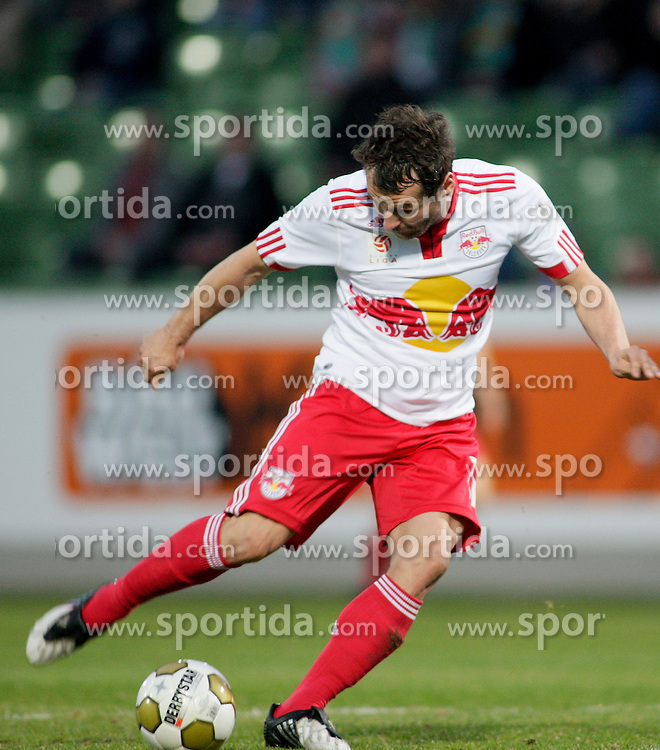 27.03.2010, Pappelstadion, Matterburg, AUT, 1. FBL, SV Bauwelt Koch Mattersburg vs Red Bull Salzburg, im Bild Red Bull Salzburg Roman Wallner, EXPA Pictures © 2010, PhotoCredit: EXPA/ S. Trimmel / SPORTIDA PHOTO AGENCY