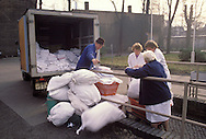GDR, German Democratic Republic, Leipzig, Policlinic East, delivery of the hospital laundry...DDR, Deutsche Demokratische Republik, Leipzig, Poliklinik Ost, Anlieferung der Krankenhauswaesche..1990