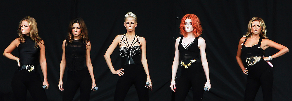 Cheryl Cole, Nadine Coyle, Nicola Roberts, Kimberley Walsh and Sarah Harding of Girls Aloud perform live on the V stage during Day Two of V Festival 2008 at Hylands Park on August 17, 2008 in Chelmsford, England.  (Photo by Simone Joyner)
