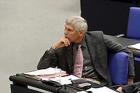 14 APR 2005, BERLIN/GERMANY:<br /> Gert Weisskirchen, MdB, SPD, Aussenpol. Sprecher der SPD BT-Fraktion, Bundestagsdebatte zur Aufhebung des EU-Waffenembargos gegenueber China, Plenum, Deutscher Bundestag<br /> IMAGE: 20050414-01-093<br /> KEYWORDS: Sitzung, speech