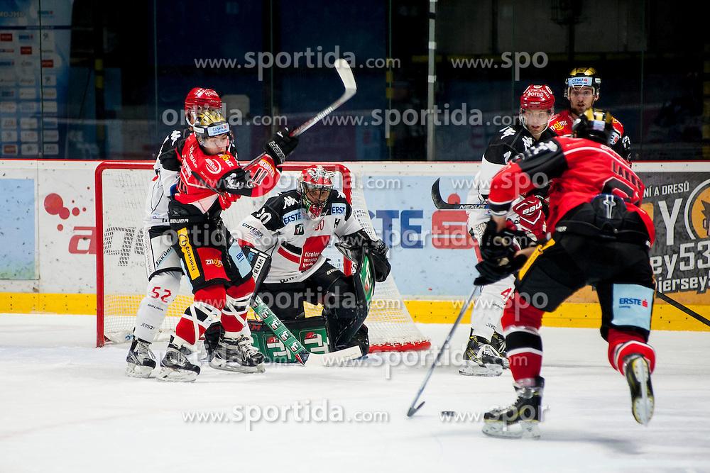 23.10.2016, Ice Rink, Znojmo, CZE, EBEL, HC Orli Znojmo vs HC TWK Innsbruck Die Haie, 13. Runde, im Bild v.l. Jason Desantis (HC TWK Innsbruck) Patryk Wronka (HC Orli Znojmo) Andy Chiodo (HC TWK Innsbruck) Daniel Mitterdorfer (HC TWK Innsbruck) Tomas Plihal (HC Orli Znojmo) Andre Lakos (HC Orli Znojmo) // during the Erste Bank Icehockey League 13th round match between HC Orli Znojmo and HC TWK Innsbruck Die Haie at the Ice Rink in Znojmo, Czech Republic on 2016/10/23. EXPA Pictures © 2016, PhotoCredit: EXPA/ Rostislav Pfeffer