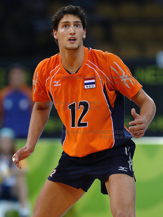 21-08-2004 VOLLEYBAL: OLYMPIC GAMES 2004 ITALIE - NEDERLAND: ATHENS<br /> Robert Horstink<br /> &copy;2004-Ronald Hoogendoorn Photography