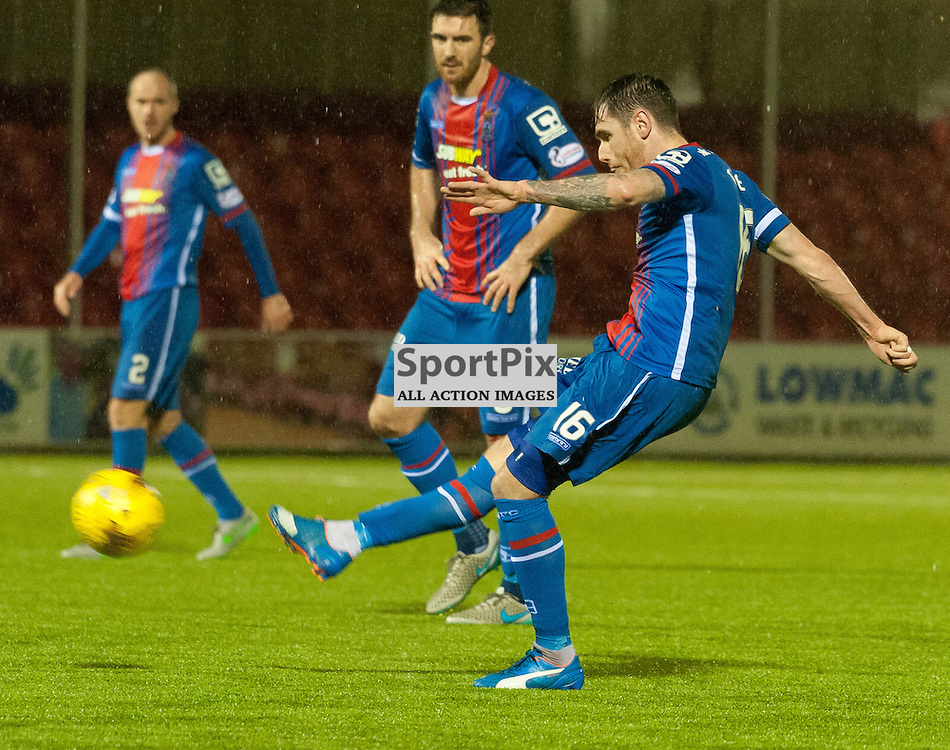 #16 Greg Tansey (Inverness Caledonian Thistle) fires in another free kick to make it 2-3 • Hamilton Academical v Inverness Caledonian Thistle • SPFL Premiership • 30 December 2015 • © Russel Hutcheson | SportPix.org.uk