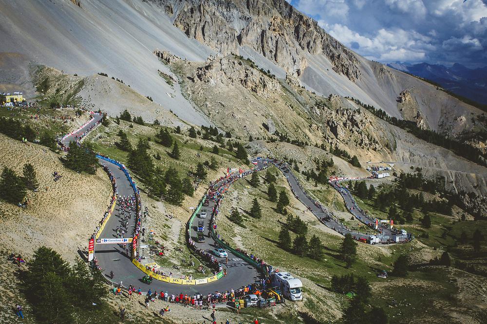 The beauty of the Tour in the Hautes Alpes. Photo: Tornanti.cc / BrakeThrough Media | www.brakethroughmedia.com
