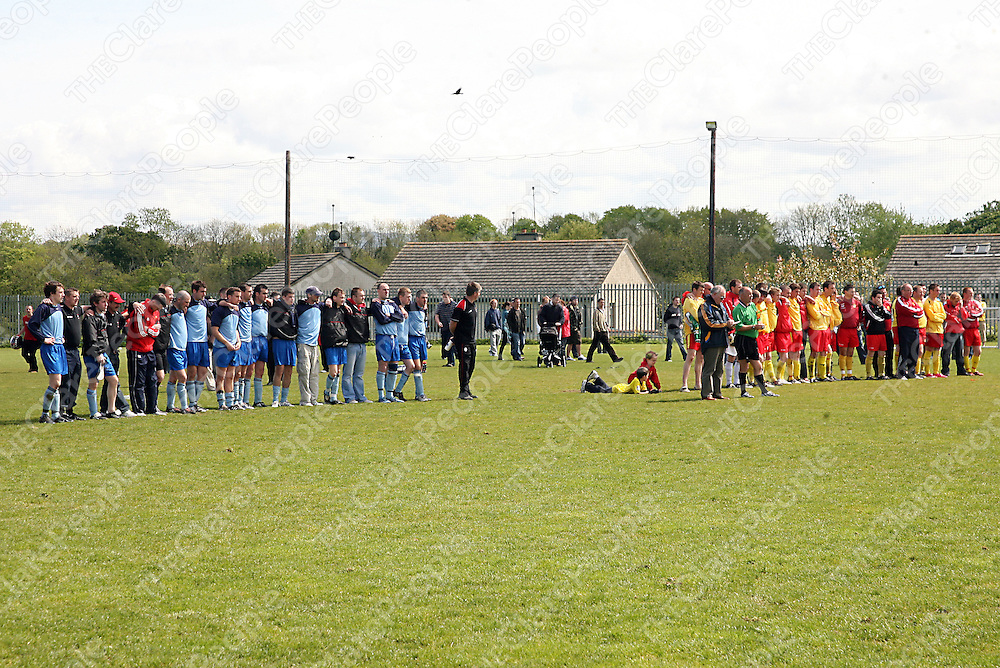 Bunratty and Avenue Utd. stand and watch during the penalty shoot out during their league final clash in Newmarket-on-Fergus on Sunday morning.<br /> Photograph by Yvonne Vaughan