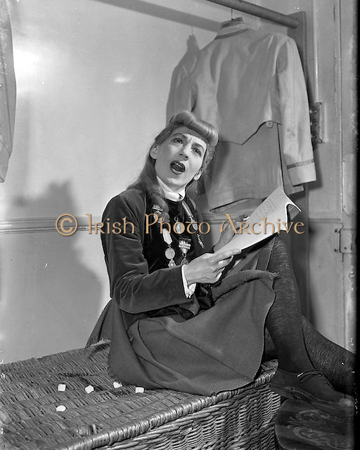Maureen Potter. Comedian. 1957 - 07:02<br /> Maureen Potter, became the queen of pantomime at Dublin's Gaiety theatre