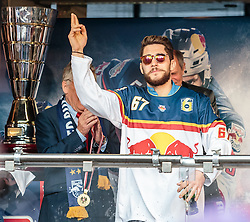 15.04.2016, Kapitelplatz, Salzburg, AUT, EBEL, Meisterfeier EC Red Bull Salzburg, im Bild Konstantin Komarek (EC Red Bull Salzburg) // Konstantin Komarek (EC Red Bull Salzburg) during the Erste Bank Icehockey Liga Championships Party of EC Red Bull Salzburg at the Kapitelplatz in Salzburg, Austria on 2016/04/15. EXPA Pictures © 2016, PhotoCredit: EXPA/ JFK