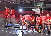 Volleyball 1. Bundesliga  Saison 2019/2020  Media Day Fotoshooting  TV Rottenburg  06.09.2019 Das Team um Taichi Kawaguchi, Jared Jarvis, Leon Dervisaj und Tim Grozerb(v.li.) warten auf das Mannschaftsbild