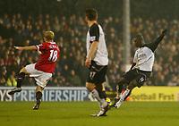 Photo: Javier Garcia/Digitalsport<br /> Fulham v Manchester United. Barclays Premiership. 13/12/2004.<br /> Papa Bouba Diop fires in the late equaliser for Fulham