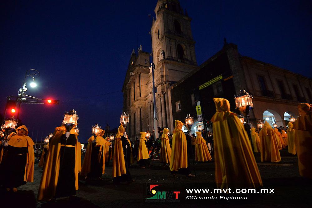Toluca, MÈxico (Marzo 30, 2016).- Partiendo de Catedral de Toluca 27 cofradÌas del Valle de Toluca participaron en la ProcesiÛn del Silencio, como parte de lo celebraciÛn de Semana Santa.  Agencia MVT / Crisanta Espinosa.
