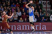 DESCRIZIONE : Campionato 2015/16 Serie A Beko Dinamo Banco di Sardegna Sassari - Umana Reyer Venezia<br /> GIOCATORE : Joe Alexander<br /> CATEGORIA : Tiro Tre Punti Three Point Controcampo<br /> SQUADRA : Dinamo Banco di Sardegna Sassari<br /> EVENTO : LegaBasket Serie A Beko 2015/2016<br /> GARA : Dinamo Banco di Sardegna Sassari - Umana Reyer Venezia<br /> DATA : 01/11/2015<br /> SPORT : Pallacanestro <br /> AUTORE : Agenzia Ciamillo-Castoria/L.Canu