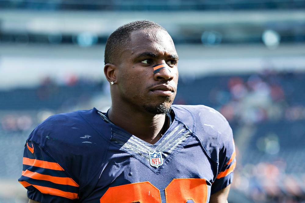 CHICAGO, IL - SEPTEMBER 13:  Demontre Hurst #30 of the Chicago Bears walks off the field after a game against the Green Bay Packers at Soldier Field on September 13, 2015 in Chicago, Illinois.  The Packers defeated the Bears 31-23.  (Photo by Wesley Hitt/Getty Images) *** Local Caption *** Demontre Hurst