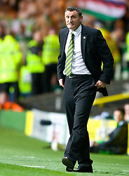GLASGOW, SCOTLAND - Thursday, October 1, 2009: Glasgow Celtic's manager Tony Mowbray during the UEFA Europa League Group C match at Celtic Park. (Pic by Juergen Feichter/Expa/Propaganda)