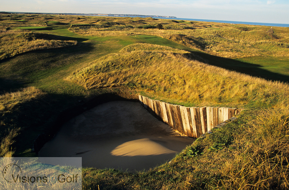The bunker on the 4th hole, Royal St. Georges GC<br /> Sandwich, Kent. UK Venue for the 2003 Open Championship<br /> Photo Mark Newcombe