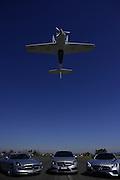 """Cristian Bolton es un ex comandante de la Fuerza Aérea de Chile y líder de la prestigiosa """"Escuadrilla de Alta Acrobacia Halcones"""" de Chile, un equipo de nueve oficiales de la Fuerza Aérea de Chile que han estado volando durante más de tres décadas, actuando en espectáculos de toda América del Sur, América del Norte, Inglaterra, Francia, Israel, Perú y Bolivia.<br /> Bolton ha sido tanto un piloto de caza y un instructor de vuelo de la Fuerza Aérea de Chile, y ha volado una amplia gama de aviones militares. Registra más de 3.000 horas de vuelo y se ha dedicado a las acrobacias aéreas durante los últimos siete años. Aerodromo Panguilemo, Talca, Chile. {date} (©Alvaro de la Fuente/Triple.cl)"""