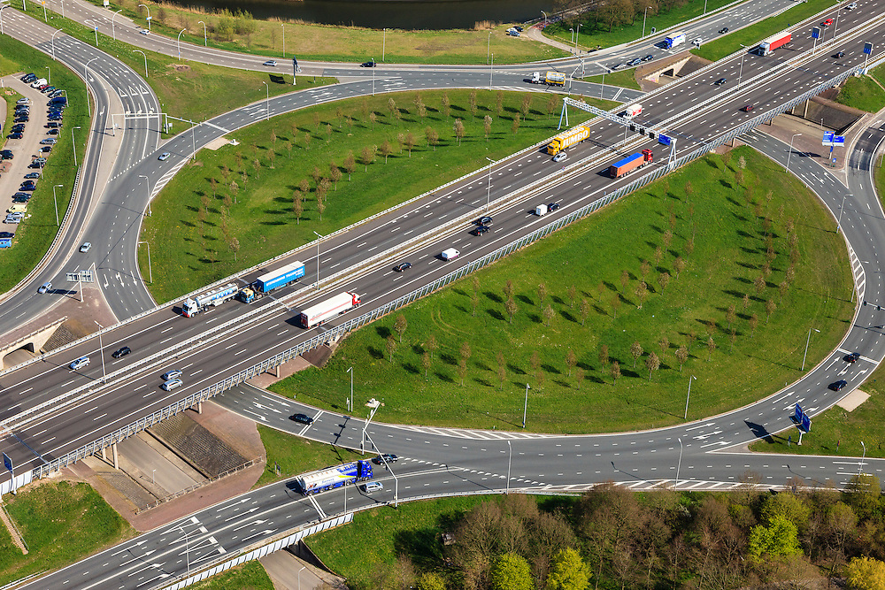 Nederland, Overijssel, Zwolle, 01-05-2013; A28 met bedrijventerrein Voorst. Kruising A28 met WestenholterAllee en IJsselallee.<br /> Business park near motorway A28.<br /> luchtfoto (toeslag op standaardtarieven);<br /> aerial photo (additional fee required);<br /> copyright foto/photo Siebe Swart.