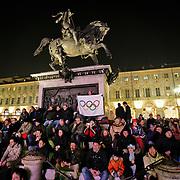 Torino 2006, pienone in piazza San Carlo per seguire in diretta su maxi schermo le principali gare serali dei XX Giochi olimpici invernali