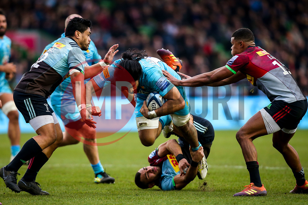 Michael Fatialofa of Worcester Warriors barges through Joe Marchant of Harlequins and takes on Gabriel Ibitoye and Ben Tapuai of Harlequins - Mandatory by-line: Robbie Stephenson/JMP - 16/02/2019 - RUGBY - Twickenham Stoop - London, England - Harlequins v Worcester Warriors - Gallagher Premiership Rugby
