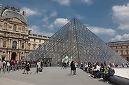 France. Paris. 1st district. Louvre museum.  the Louvre Pyramid , in the louvre museum courtyard / La pyramide du musee du Louvre. / Architecte, PEY. to use the picture you have to contact the EPGL etablissement public du grand Louvre.