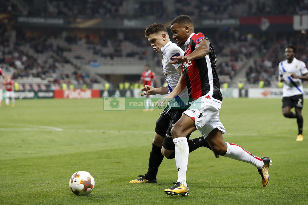 (L-R) Milot Rashica of Vitesse, Alassane Plea of OCG Nice during the UEFA Europa League group K match  match between OGC Nice and Vitesse Arnhem on September 28, 2017 at the Allianz Riviera in Nice, France