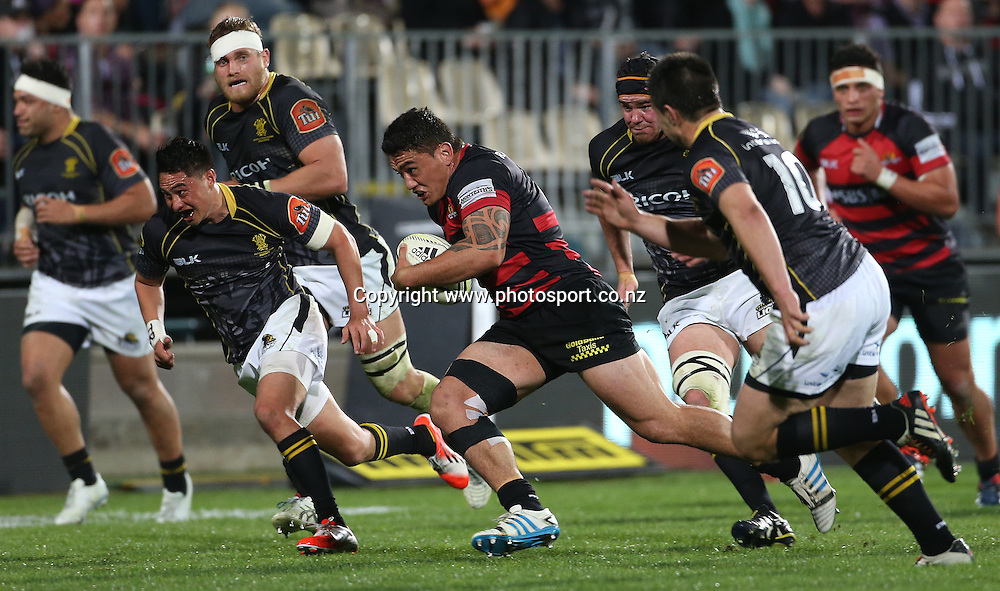 Canterbury hooker Codie Taylor runs away to score.<br /> ITM Cup match between Canterbury and Wellington, held at AMI Stadium, Christchurch, New Zealand, 12 September 2014. Credit: www.photosport.co.nz