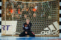 03-12-2017 DEU: 23rd Women World Championship China - Netherlands, Leipzig<br /> De Nederlandse handbalsters hebben hun tweede pouleduel in groep D op het WK in Duitsland zeer overtuigend gewonnen. In de Arena Leipzig was Nederland met 40-15 te sterk voor China. / Tess Wester #33 of Netherlands