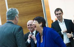 15.03.2016, Finanzministerium, Wien, AUT, Bundesregierung, Verhandlungen zum Finanzausgleich, im Bild v.l.n.r. Bundesminister für Finanzen Hans Jörg Schelling (ÖVP), Wiens Stadträtin für Finanzen, Wirtschaft und Internationales Renate Brauner (SPÖ) und Landeshauptmann Vorarlberg Markus Wallner (ÖVP) // during negotiations according to redistribution of income in Vienna, Austria on 2016/03/15, EXPA Pictures © 2016, PhotoCredit: EXPA/ Michael Gruber