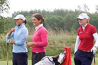 Biddinghuizen - Voorjaarswedstrijd dames 2007. Maaike Naafs (l), Marjet van der Graaff en Laura Winkelman (r).