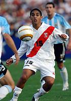 17/07/04 - CHICLAYO - PERU - COPA AMERICA PERU 2004 <br />Peru player N* 15 SALAS Guillermo<br />© Gabriel Piko /Argenpress.com<br /><br />- Quarterfinals match of the Copa America 2004 - PERU (0) VS. ARGENTINA (1)<br />© Gabriel Piko /Argenpress.com