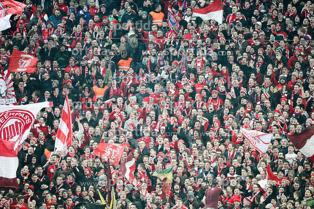27.02.2015, Allianz Arena, Muenchen, GER, 1. FBL, FC Bayern Muenchen vs 1. FC K&ouml;ln, 23. Runde, im Bild Fans (FC Bayern Muenchen) singen // during the German Bundesliga 23rd round match between FC Bayern Munich and 1. FC K&ouml;ln at the Allianz Arena in Muenchen, Germany on 2015/02/27. EXPA Pictures &copy; 2015, PhotoCredit: EXPA/ Eibner-Pressefoto/ EXPA/ Kolbert<br /> <br /> *****ATTENTION - OUT of GER*****