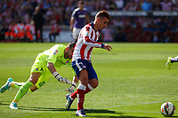 Atletico de Madrid´s Griezmann (R) and Espanyol´s goalkeeper Casilla during 2014-15 La Liga Atletico de Madrid V Espanyol match at Vicente Calderon stadium in Madrid, Spain. October 19, 2014. (ALTERPHOTOS/Victor Blanco)