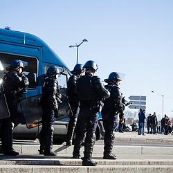 Maintien de l'ordre de la manifestation organis&eacute;e &agrave; Lyon dans le cadre de l'acte 14 des manifestations de gilets jaunes le 16 f&eacute;vrier 2019. Suivi du dispositif de s&eacute;curisation constitu&eacute; des gendarmes mobiles de l'Escadron 11/5 de Sathonay-Camp.<br /> F&eacute;vrier 2019 / Lyon (69) / FRANCE Voir le reportage complet (90 photos) https://sandrachenugodefroy.photoshelter.com/gallery/2019-02-MO-Gilets-Jaunes-Lyon-Acte-14-Complet/G0000I._DRehEUTM/C0000yuz5WpdBLSQ